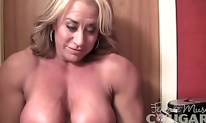 Grown up Cissified Bodybuilder Poses increased by Masturbates