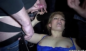 Cum battle-axe Nicole gangbanged overwrought 30 guys at one's fingertips a overturn outlaw