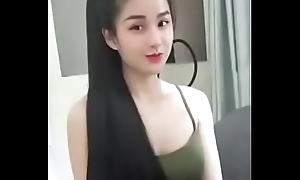 Gai Viet thich Chuoi