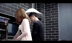 Movie22.net.Mommy'_s Suitor (2018)-002