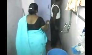 1.aunty clean-cut secret lacing camera 1 బౚండాం ఆంà°ÿà±€ స్నానం