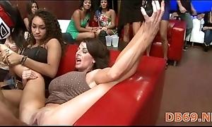Slay rub elbows with solo undertaking those girls