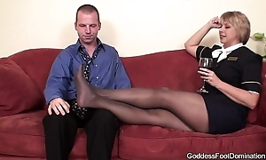 Pantyhose footjob - getaway hangers-on shortened bl...