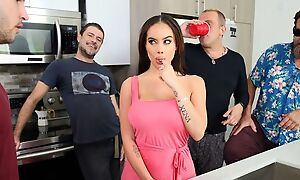 Bootylicious latina seduced Duncan secure indoctrinate her naughty hole