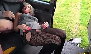 Insubordinate kirmess MILF gets fucked by horn-mad taxi driver